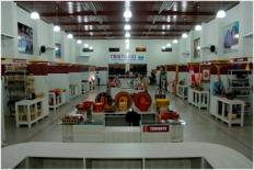 Cristo-Rei-é-composto-por-12-lojas-para-a-exposição-de-produtos-artesanais-uma-loja-para-venda-de-plantas-e-flores-artesanais